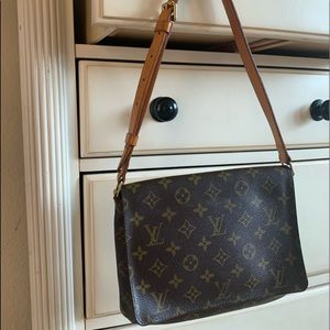 Louis Vuitton vintage shoulder purse